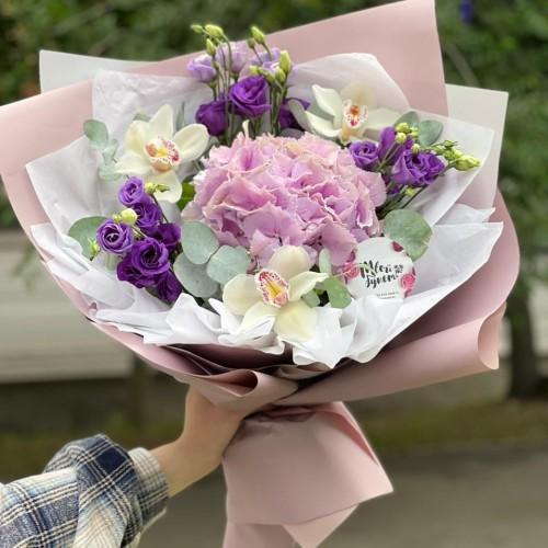 Купить на заказ Букет гортензия с орхидеей  с доставкой в Кокшетау