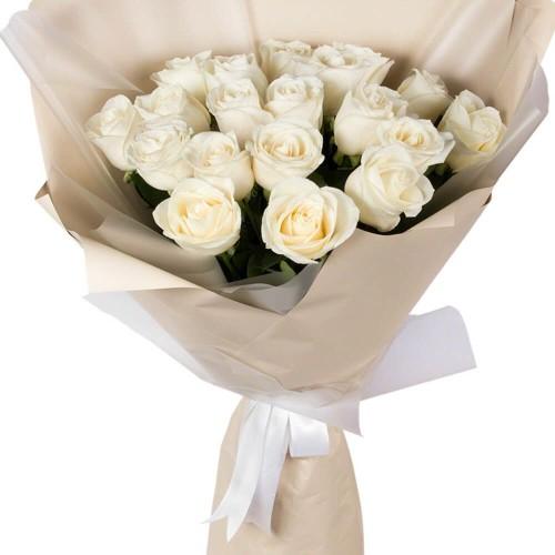 Купить на заказ Букет из 19 белых роз с доставкой в Кокшетау