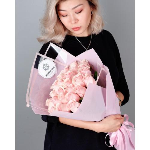 Купить на заказ Заказать Букет из 25 розовых роз с доставкой по Кокшетау с доставкой в Кокшетау