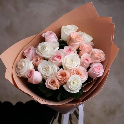Купить на заказ Заказать Букет из 21 розы (микс) с доставкой по Кокшетау с доставкой в Кокшетау